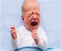 تشنج الأطفال عند البكاء قد يقتلهم.. إليكِ الأسباب وطريقة العلاج