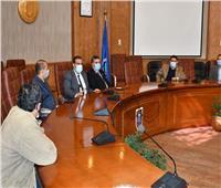 رئيس جامعة القناة يجتمع بإدارة الأمن ويشدد على الإجراءات الاحترازية
