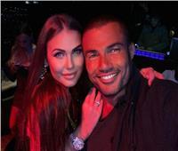 كارولينا | 6 معلومات عن الفتاة الجميلة التي ظهرت مع عمرو دياب