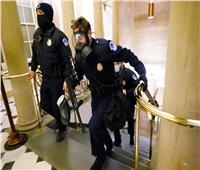 12 صورة ترصد اقتحام الكونجرس الأمريكي.. وهروب «النواب»