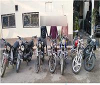 عصابة أسيوط تستولى على الدراجات النارية بـ«قطع الضفيرة»