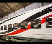 شاهد| لحظة وصول دفعة جديدة من عربات القطارات الروسية