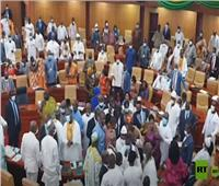 فوضى في برلمان غانا بعد صدامات بين النواب   فيديو