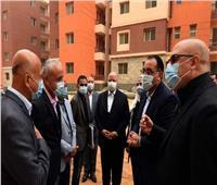 رئيس الوزراء يتفقد أعمال تنفيذ 20 ألف وحدة سكنية بالعبور الجديدة