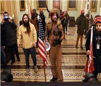 اعتقال المشاغب «ذي القرنين» الذي اقتحم مبنى الكونجرس