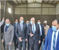 محافظ بني سويف يتفقد منطقة كوم أبو راضى الصناعية