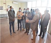 محافظ أسيوط يزور مصنع «سيكو» لإنتاج الهواتف المحمولة