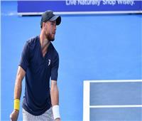 تغريم لاعب تنس أمريكي لعدم ارتدائه الكمامة