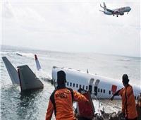 العثور على أحد صندوقي الطائرة الإندونيسية المنكوبة