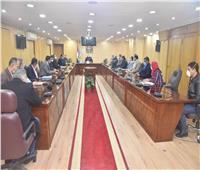 محافظة أسيوط تبحث التوسع في إنشاء محطات وقود غاز طبيعي