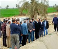 وزير الموارد المائية والري يتفقد أعمال تبطين الترع بالفيوم