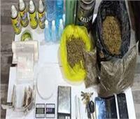 ضبط عاطل وزوجة ابنه أدارا شقة لتصنيع المخدرات في القاهرة