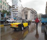 تستمر 6 أيام.. أمطار نوة الفيضة الكبرى تربك شوارع الإسكندرية | فيديو وصور