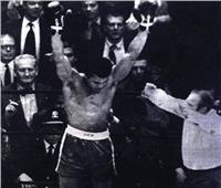 محمد علي كلاي.. إعصار أسود يخشاه الملاكمون
