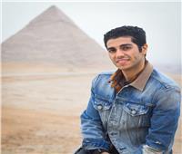 مينا مسعود يروج لزيارة الأهرامات.. صور