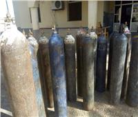 صاحب مصنع يستغل أزمة «كورونا» للتربح من إسطوانات الأكسجين