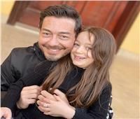 أحمد زاهر يهنئ ابنته الصغيرة بعيد ميلادها