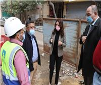 نائب محافظ الجيزة تتفقد المساكن «البديلة» بعزبة حرب في الهرم