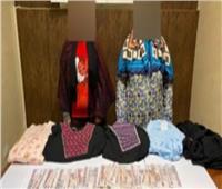 ضبط سيدتين لسرقتهن الملابس من المولات التجارية بالسلام