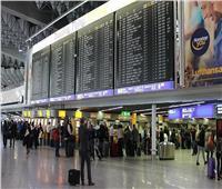 إخلاء بعض مرافق مطار فرانكفورت بألمانيا بعد الاشتباه بحقيبة