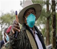 «يوري موسيفيني».. زعيم أوغندا المسيطر على الحكم منذ 35 عامًا