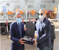 «القوى العاملة» تتسلم 30 جهاز تابلت لدعم مبادرة «مهنتك مستقبلك»
