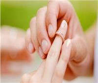 أغرب عادات الزواج.. كي ظهر العريس بالنار وجر العروس من شعرها