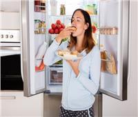 وضع الطعام الساخن في الثلاجة يرفع فاتورة الكهرباء