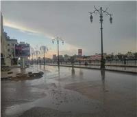 المرور: انتشار سيارات الإغاثة والخدمات على الطرق تحسبا للأمطار