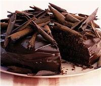 طريقة عمل الكيك بصوص الشوكولاتة