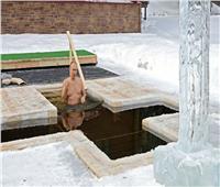 فديويو| احتفالًا بعيد «الغطاس».. بوتين يغطس في حفرة جليدية بضواحي موسكو
