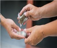 إحالة المتهمة بمساعدة سائق على ترويج المخدرات للجنايات