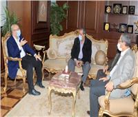 محافظ بني سويف يلتقي رئيس الهيئة العامة للطرق والكباري