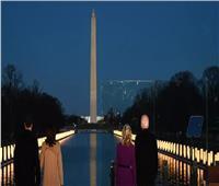 بايدن يحيي ذكرى 400 ألف أمريكي حصد «كوفيد-19» أرواحهم