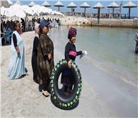 لأول مرة في مصر.. كابينةللأقزام «مجانًا» في شاطى بالإسكندرية