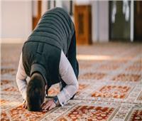 سبقني الإمام في الصلاة.. كيف أصلي ما فاتني؟ | «الإفتاء» تجيب