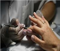علامات على الأظافر تشير إلى مشكلات صحية خطيرة