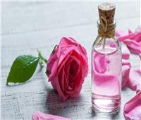 10 فوائد لـ«ماء الورد» أبرزها ترطيب البشرة