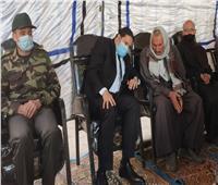 نائب محافظ بني سويف يقدم واجب العزاء في أسرة الشهيد بمسقط رأسه