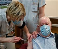«أخصائي» يكشف سر تراجع وتيرة التطعيم ضد كورونا في فرنسا