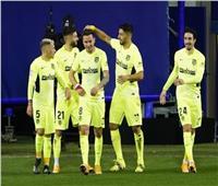 «سواريز» يقود أتلتيكو مدريد لفوز صعب على إيبار في الليجا الإسبانية