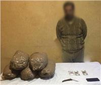 تجار «المزاج» في قبضة الشرطة بـ23 كيلو بانجو بدمياط| صور