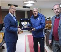 وزير الرياضة العراقي يزور الزمالك|صور