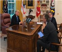 بالصور| زر ترامب «للمشروبات الغازية» يغادر البيت الأبيض