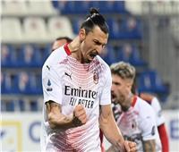 «إبراهيموفيتش» يحتفي بمؤيته السادسة في الدوريات الكبرى