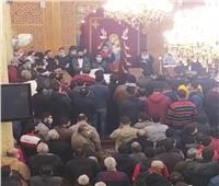 إقامة صلاة الجنازة على ضحايا منزل منهار في المحلة