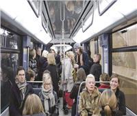 ممنوع «الموبايل» في المترو