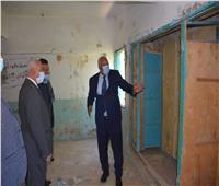 محافظ الوادي الجديد يتابع أعمال تطوير بيوت الطلبة بالخارجة