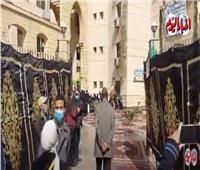 وصول جثمان عبلة الكحلاوي إلى مسجد الباقيات الصالحات بالمقطم |فيديو