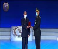 منحه الرئيس نوط الامتياز.. اللواء مؤمن سعيد مسيرة ناجحة في العمل الشرطي
